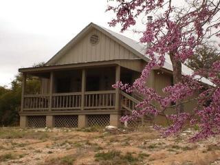 Hillside Cabin, Fredericksburg