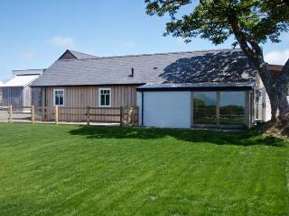 Y CARTWS, pet friendly, luxury holiday cottage, with a garden in Newport, Pembrokeshire, Ref 6162