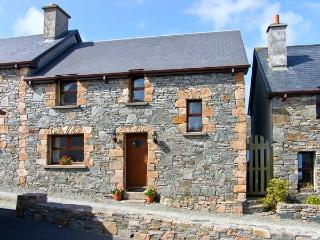 KING COTTAGE, family friendly, with a garden in Cleggan, County Galway, Ref 8315