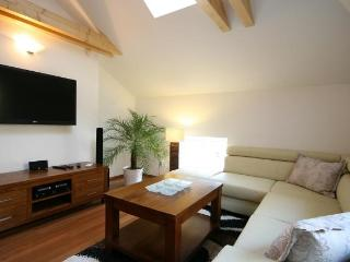 Attic Olivova - Luxury two bedroom apartment, Prag