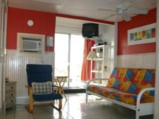 directly on the beach, studio apt. 'the Sandbox', Siesta Key