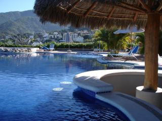 Top Flipkey Rental - Sweet Studio Suite, balcony!, Puerto Vallarta