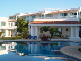 Beautiful 2 Bed Condo Playa del Carmen - Playacar