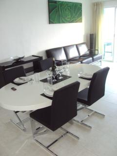 Lounge & Dining space