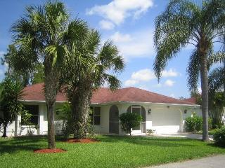 charming and cozy villa close to a wildlife refuge, Lehigh Acres
