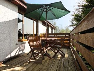 CHURCH COURT COTTAGE, pet friendly, country holiday cottage, with a garden in Ha