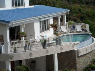 Dawn Beach Villa, Saint Maarten - Ocean View, Walk to Beach