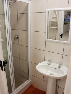 Cosy Corner - En suite Shower Room