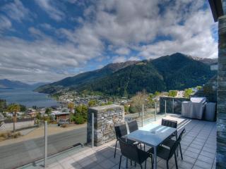 Eagles Rest luxury apartment Queenstown NZ