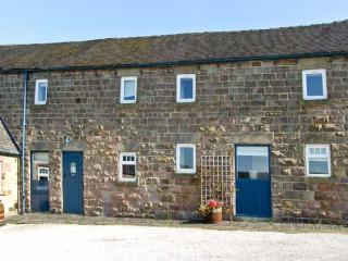 BROCKSOPP COTTAGE, pet friendly, character holiday cottage, with a garden in