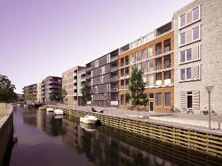 Modern Copenhagen apartment overlooking the canals, Copenhague
