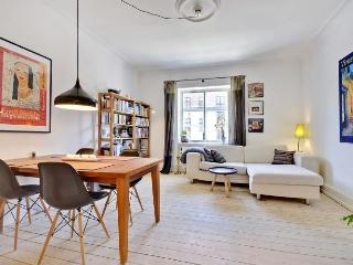 Nice Copenhagen apartment close to Sankt Hans Torv, Copenhague