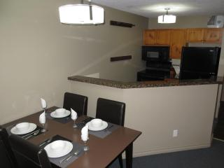 Self Catering Kitchen; granite counter tops, new appliances!