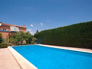 Seville villa with private garden-pool- internet, Alcala de Guadaira