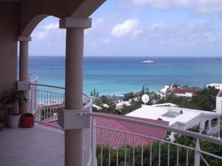 Perfect Pelican Escape -- Spectacular Views & Best Sunset Happy Hour, Simpson Bay