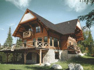Luxurious 5br Log Home At Rcnt Chalets, Lac-Superieur