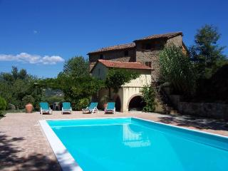 Large Villa with Private Pool and Stunning Views, Citta di Castello