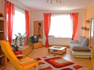 LLAG Luxury Vacation Apartment in Jena - 667 sqft, modern, clean, spacious (# 416)