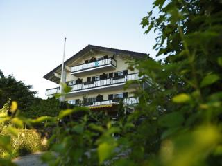 LLAG Luxury Vacation Apartment in Gstadt am Chiemsee - 861 sqft, new, elegant, relaxing (# 802)