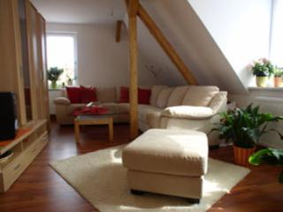 Vacation Apartment in Rudolstadt - 797 sqft, parking available, quiet location (# 1077)