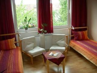 Vacation Apartment in Hildesheim - 280 sqft, historic, quiet, WiFi (# 1881)