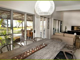 Stunning Beach-front House in Tropical Nth Qld, Mission Beach