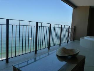 R&A Beach Properties Grand Venetian, Puerto Vallarta