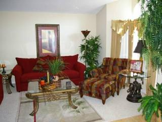 4BR Luxury Pool Home, Wifi, Game Room near Disney, Davenport