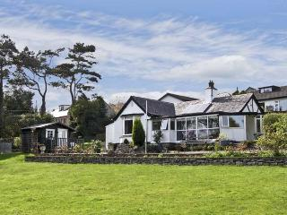 BWTHYN YR AFON, family friendly, with a garden in Benllech, Ref 5577