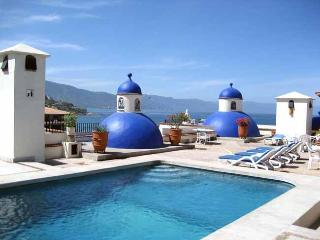 2 Bdrm Waterfront Condo w/lrg terrace in Old Town, Puerto Vallarta