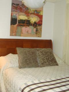 500 sq ft 1 bdrm Condo - Queen Bed - DT & River Views