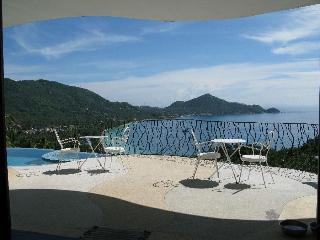 "Monkey Flower Villas ""Upper"" villa and ""Lower"" villa suite (optional), Koh Tao"