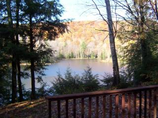 Lakefront Berkshires Ski/Summer House, Great Views, Great Barrington