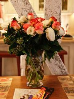 Parisan Flowershops offer Beautiful arrangements