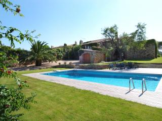 Gorgeous 17 Century country house with max comfort, Begur