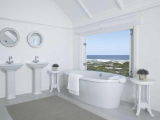 the White House Beach Villa, Yzerfontein