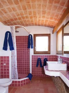 Master en-suite bathroom