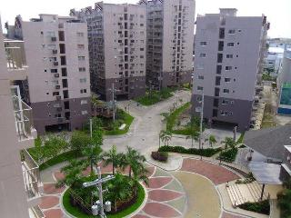 Condo 2 Br Near Airport Fully Furnished, Paranaque