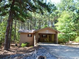 79MandDr | West Gate Area | Home | Sleeps 4, Hot Springs Village