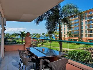 Harris Hawaii, Konea 213 , Inner Courtyard Unit With Ocean Views! Huge Lanai!