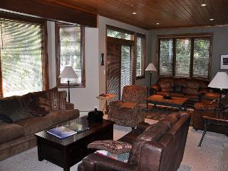 Platinum Golf Course home 1 mile to Vail 1592 Golf Terrace, Vail, CO 81657