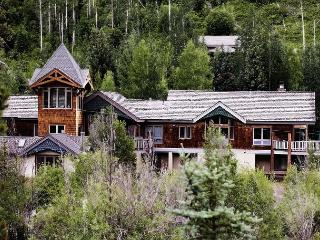 3827 Lupine - Amazing Home in East Vail