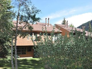 Call now for special rates for this Luxury Condo in East Vail
