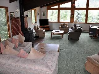 4 Bedroom Ski Home in East Vail with private hot tub