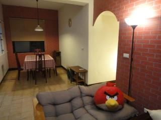 3 bedroom condo in Taipei with FREE airport pickup