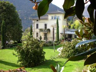 Luxury Villa with Pool Near Lake Como and Walking Distance to Town - Villa San, Dizzasco