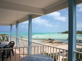 2 Bdrm Oceanside Villa Close to Island Amenties, Great Exuma