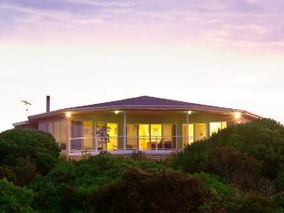 Kangaroo Island Luxury-Malibu Lodge, American River