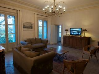 Large apartment in heart of Montpellier