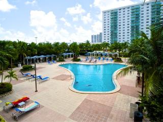 O. Reserve 1BR 1BA,  Just Steps Away from the Beach!, Sunny Isles Beach